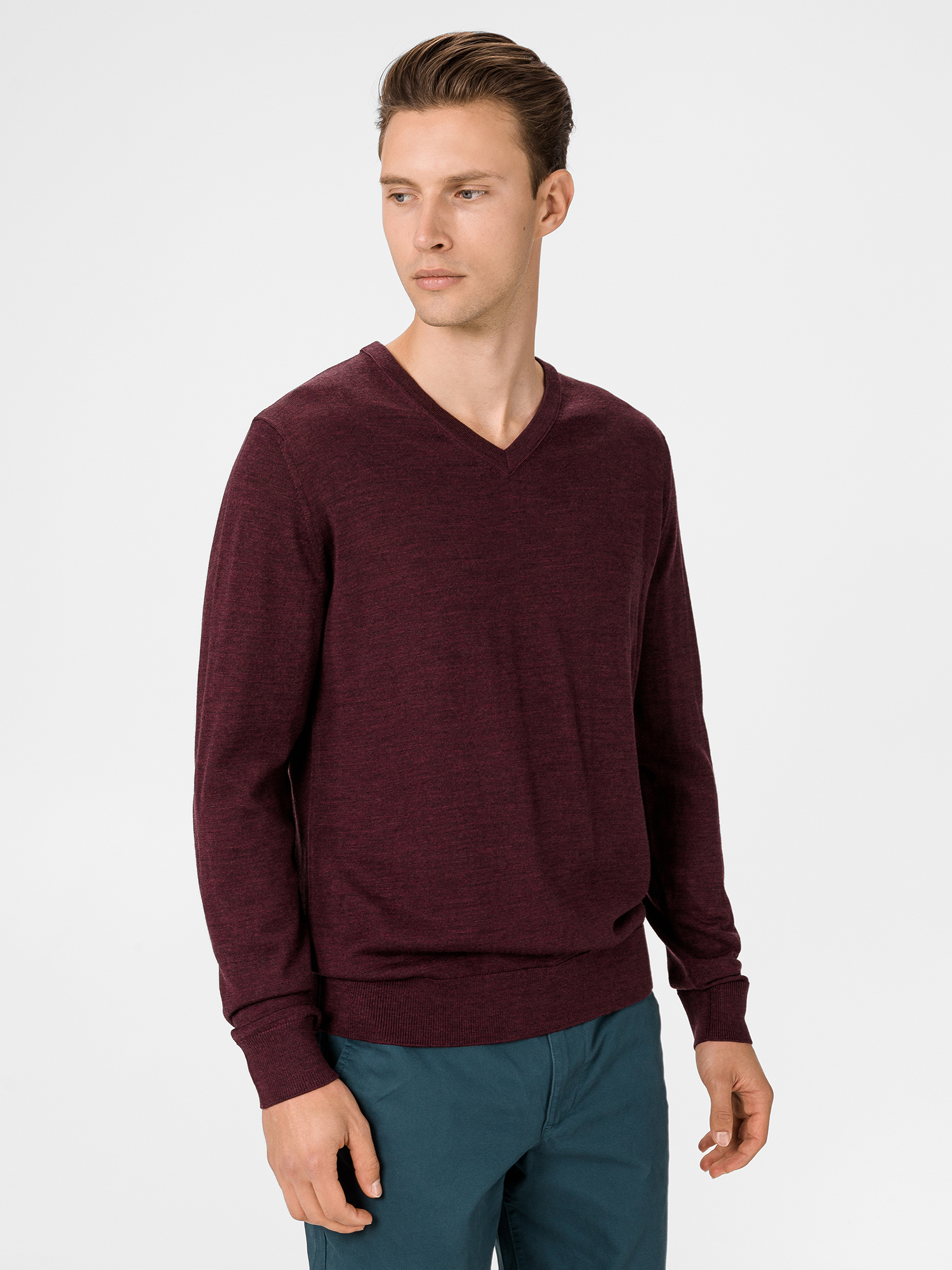 Sveter merino v-neck sweater (1)