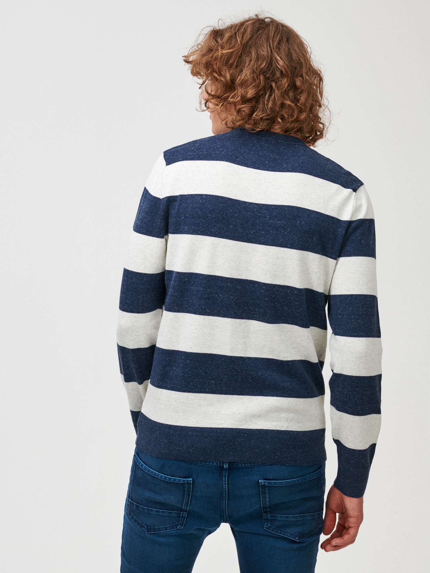 Sveter mainstay sweater (4)